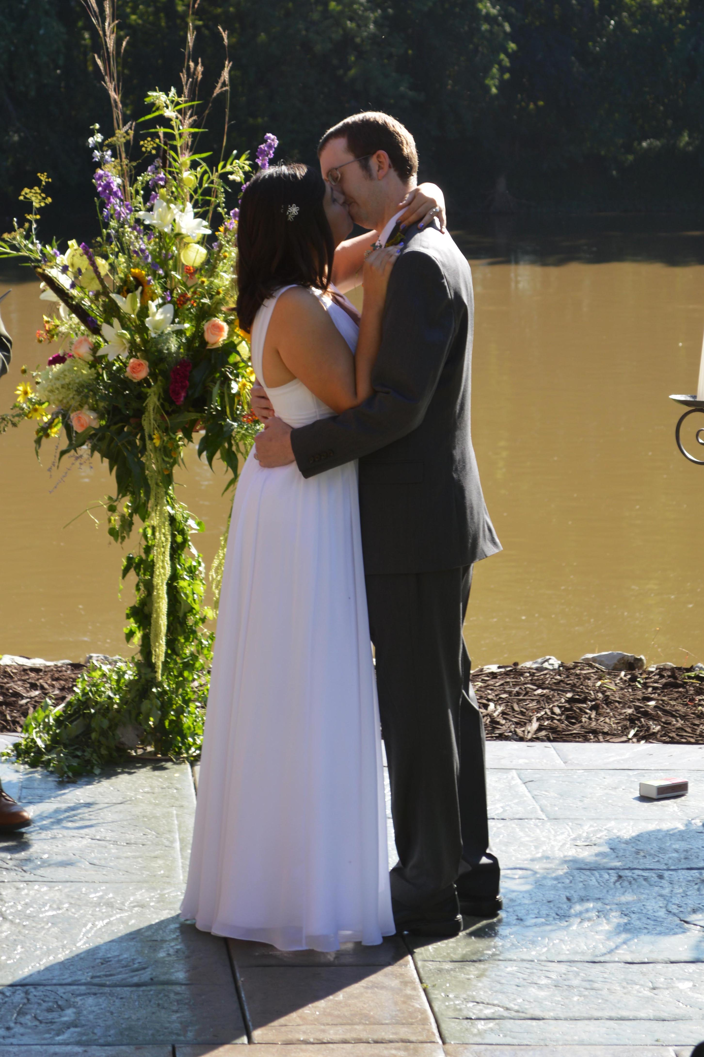 Tim & Nina First Kiss